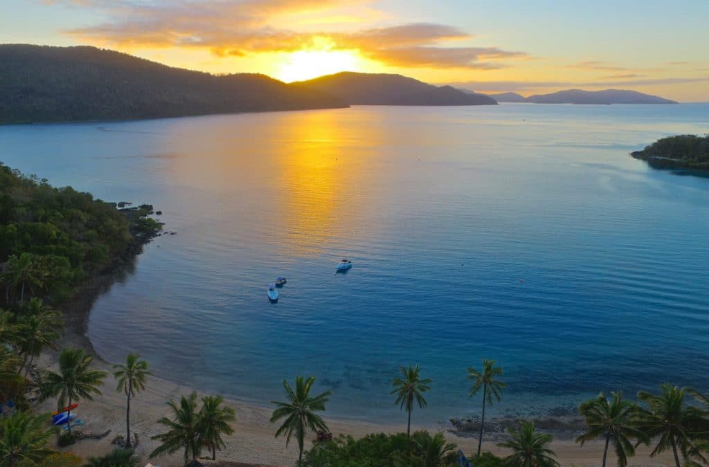 Airlie Beach Sunset Cruise To Island Resort