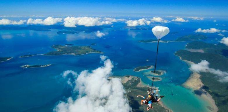 stunning views of the Whitsunday islands during a tandem skydive