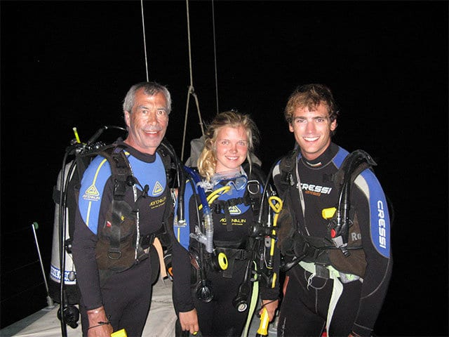 night scuba diving onboard Apollo whitsundays