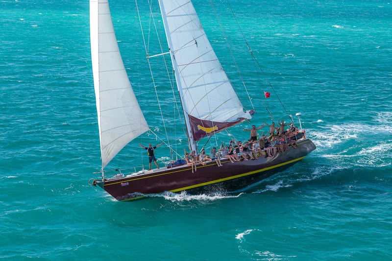Condor Whitsundays Tour UNDER FULL SAIL