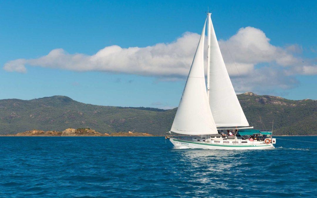 Prima Whitsundays Islands Sailing Tour