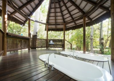 Rainforest Retreat Bathroom
