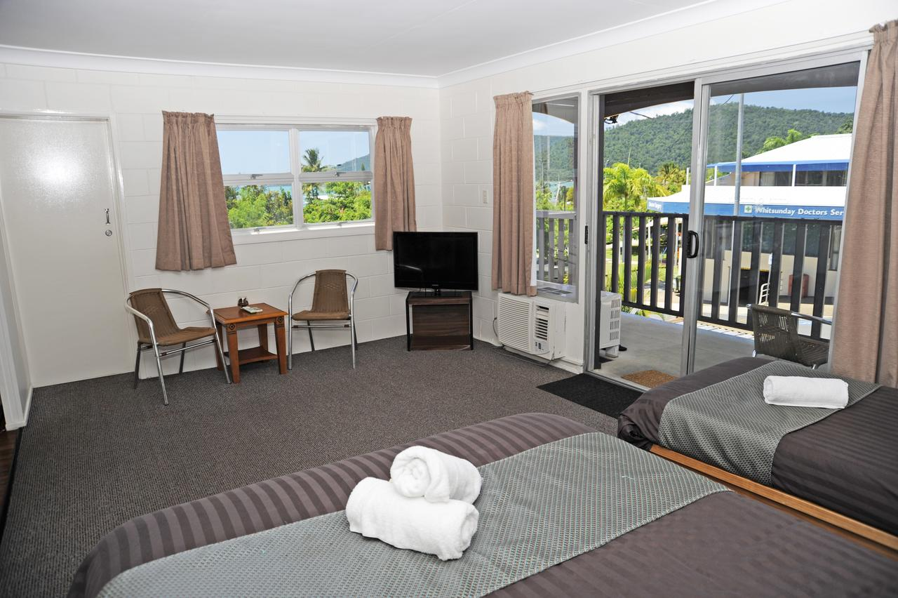 Colonial Court Beachfront Motel & Holiday Stay Airlie Beach
